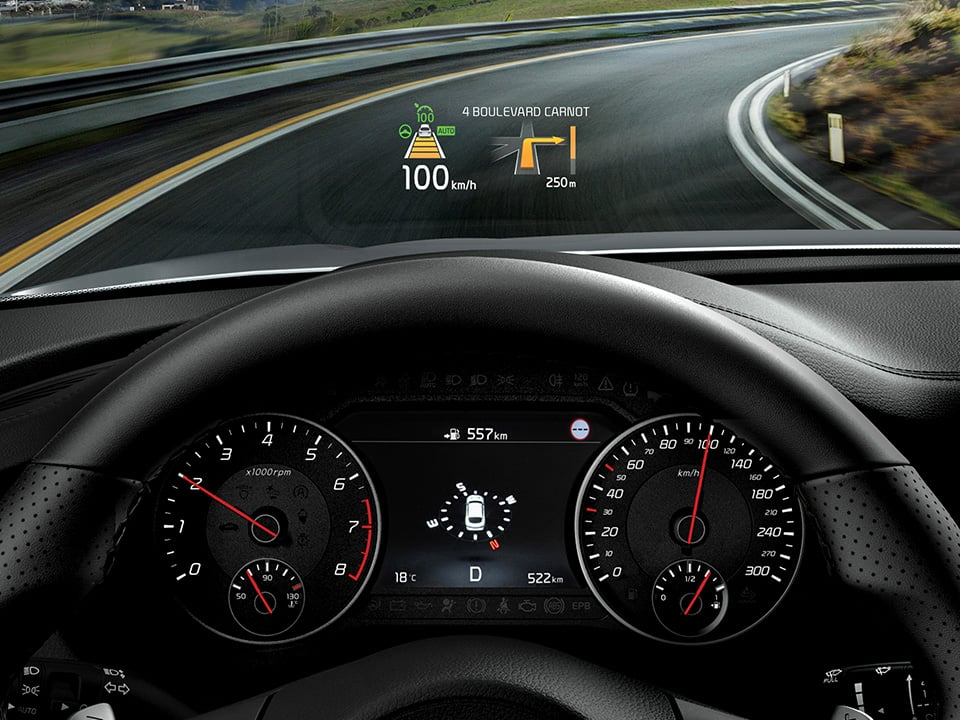 Kia Stinger head-up display